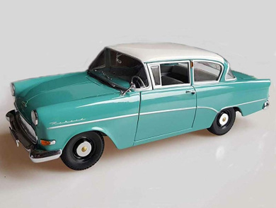 Diecast Plastic Model TRANZMASTERS Blue 4wd Model Car Featuring Opening Doors With Caravan 1:40 Scale